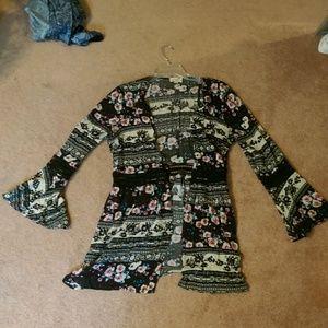 Bell-Sleeve Kimono